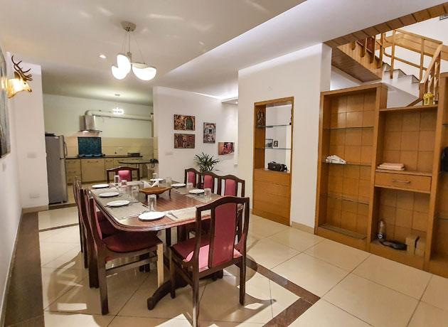 best-villa-accommodation-in-kasauli-dining-experience