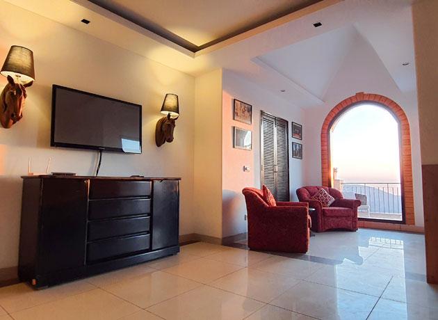 best-resort-luxury-accommodation-in-kasauli-views